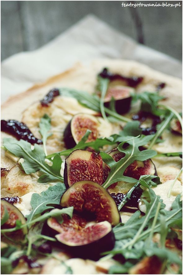 pizza, figi, rukola, cebula, oscypek